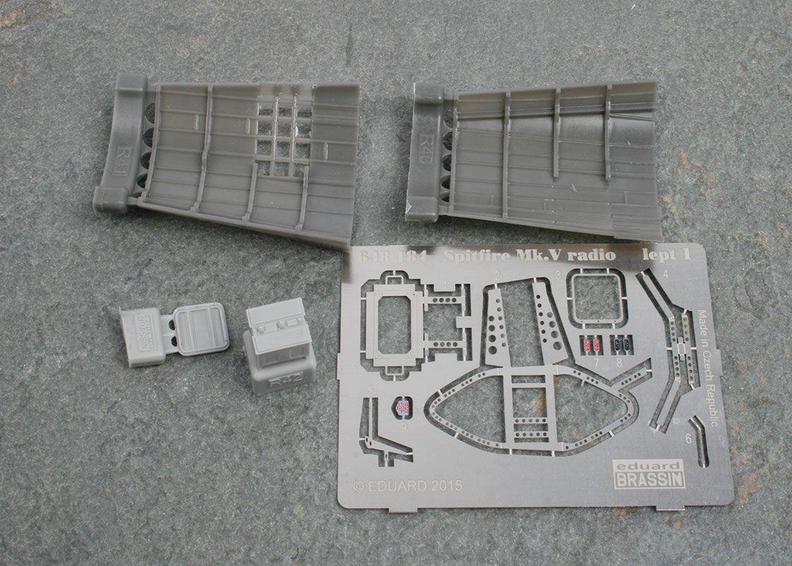 supermarine spitfire mk vb radio compartment. Black Bedroom Furniture Sets. Home Design Ideas